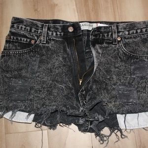 Levi's Distressed High Waisted Short